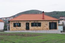 Πέτρινη μονοκατοικία στη Μυρίνα Λήμνου.