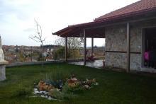 Πέτρινη μονοκατοικία στη Ραχώνα Ν.Πέλλας.